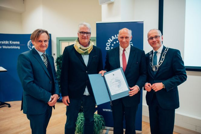 Awarding Dr. Florian Gottsauner-Wolf the honorary professorship